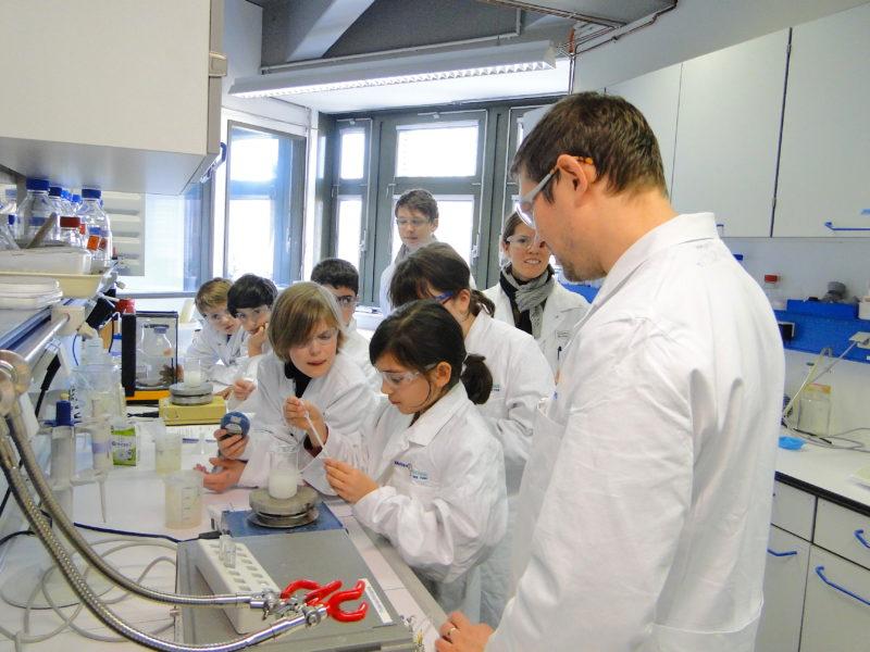 Besuch im Institut für Technische Biokatalyse