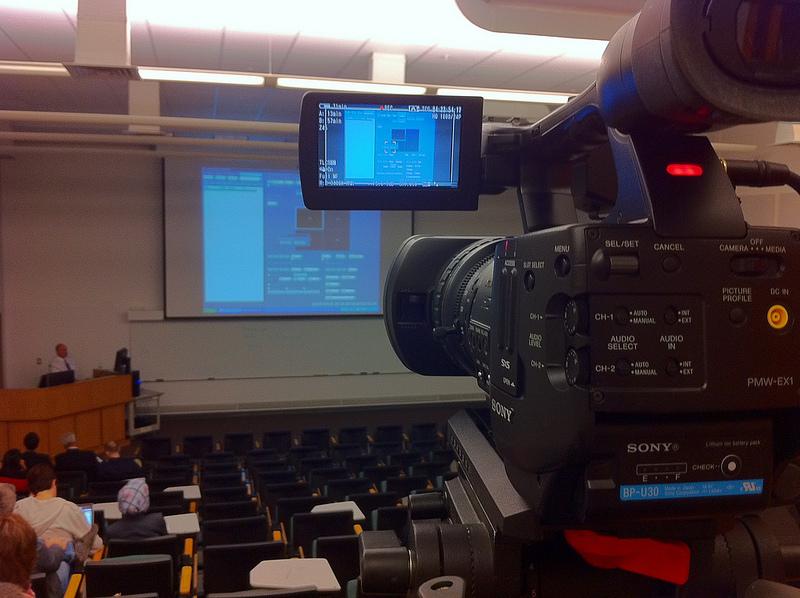 Hörsaal mit Vorlesungsaufzeichnungs-Equipment